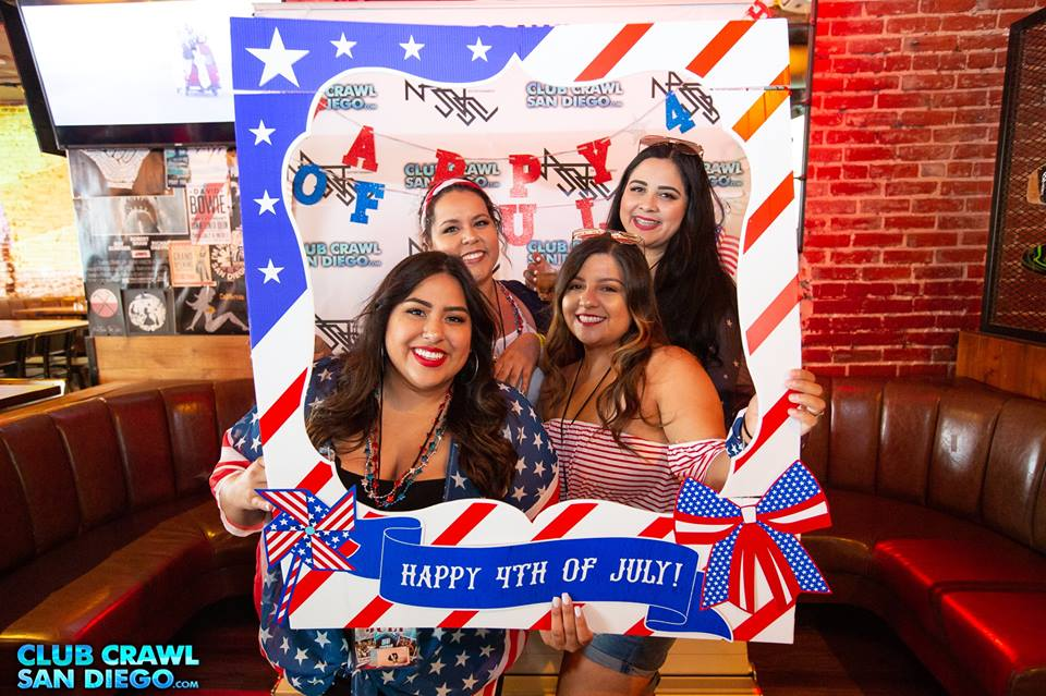 4th of July Bar Crawl Girls Pic